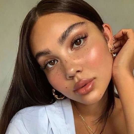Summer Makeup Looks and Ideas