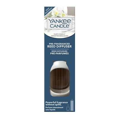 Yankee Candle Pre-Fragranced Reed Diffuser Kit Fluffy Towels